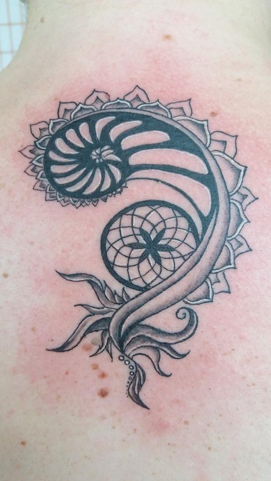 Intuitivní tetování spirála